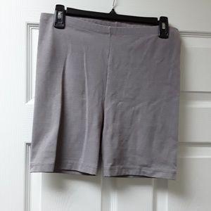 Danskin exercise shorts in Gray